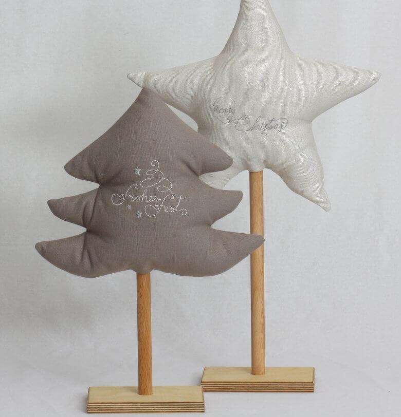 Bäumchen und Stern bestickt auf Holzständer Set