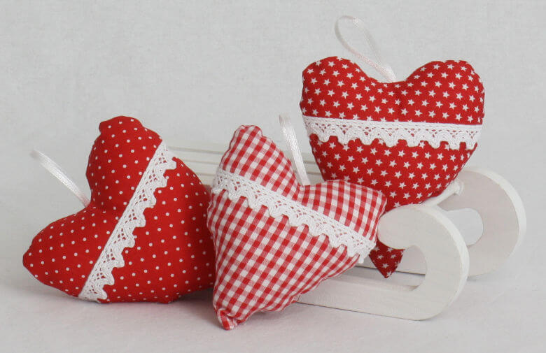 Baumschmuck Herzen rot